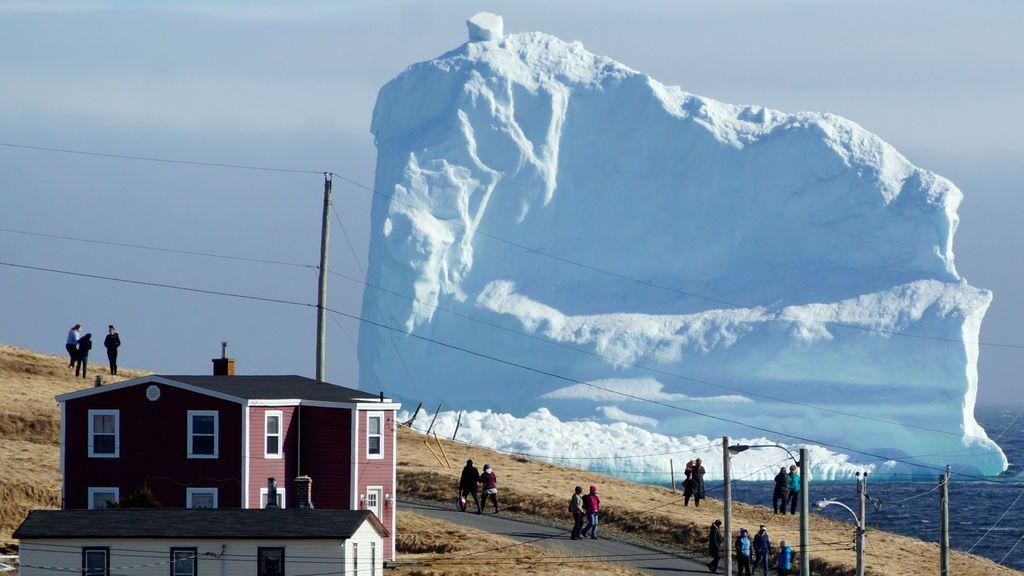 El primer iceberg que pasa por Ferryland, en Canadá (19 abril)