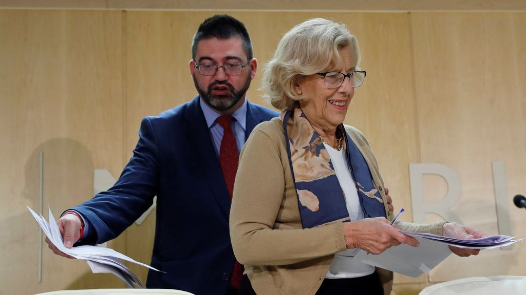 Carmena cesa a su concejal de economía Carlos Sánchez Mato