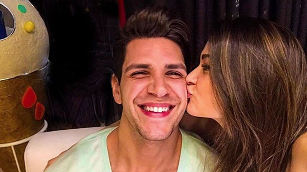 Diego Matamoros recupera la sonrisa refugiado en su novia y alejado de su familia