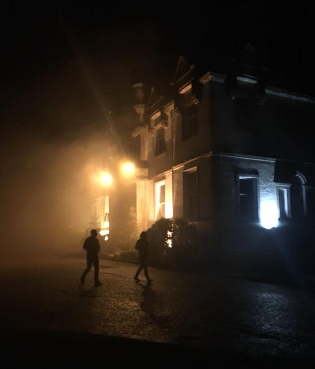 Dos muertos y tres heridos en el incendio de un hotel en Escocia