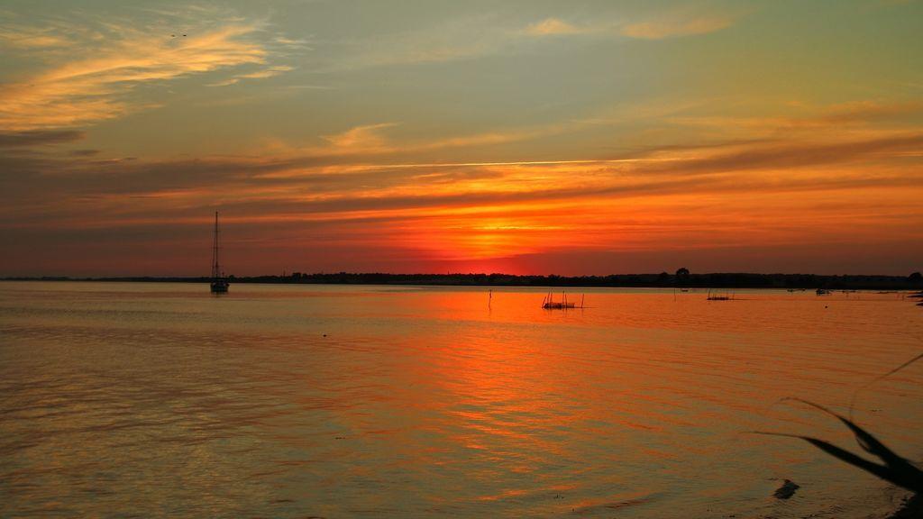 sunset-733413_1920