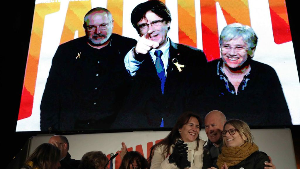 """Puigdemont apela desde Bruselas a un """"voto de país"""" porque está en juego Catalunya"""