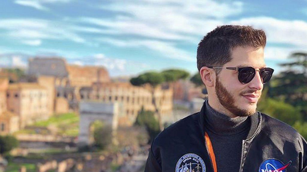 ¡Vacaciones en Roma! Nando Escribano revoluciona las redes con una sensual imagen