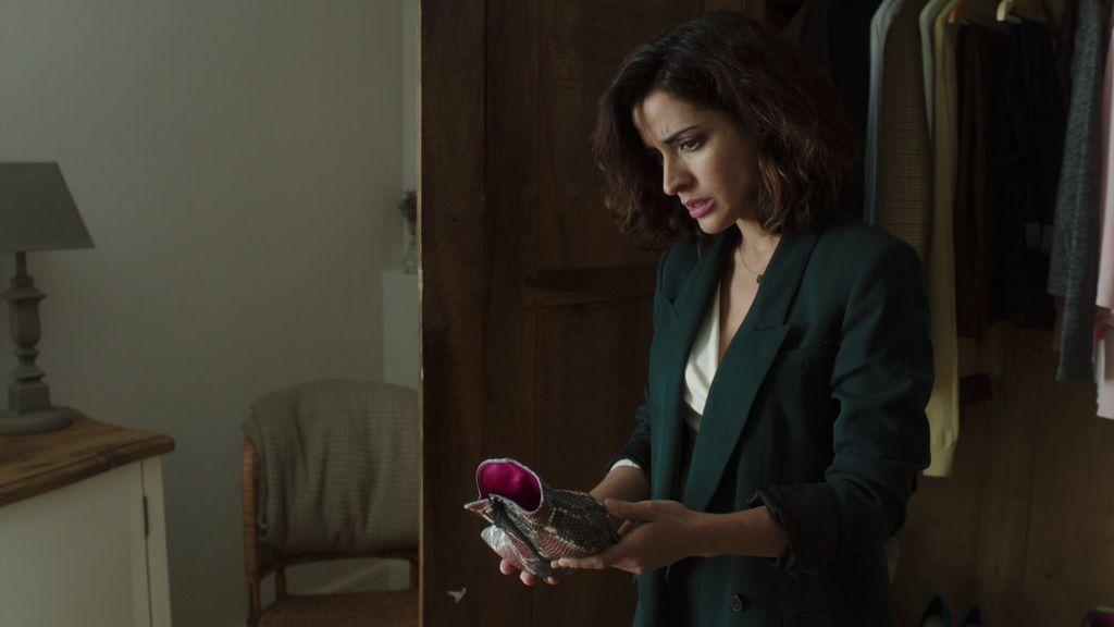 Lucía descubre quién es la amante de José