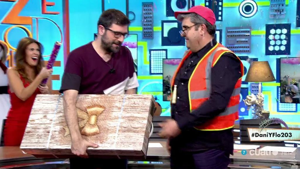 Pablo Pablete acaba con la angustia de Nacho García y le regala su cesta de Navidad