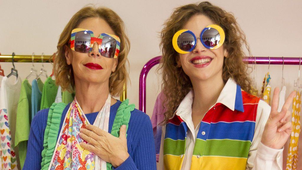 Agatha Ruiz de la Prada se rompe la muñeca pero sin pierde el glamour
