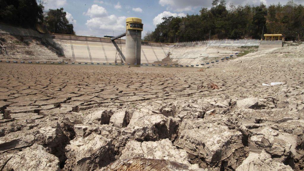 La sequía es amiga de la policía: aparece un muerto en un pantano reseco