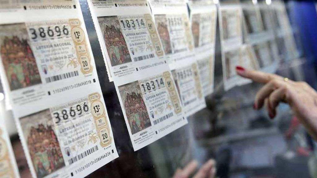 Los premios de las participaciones agraciadas en la Lotería de Navidad deben reclamarse a la entidad emisora