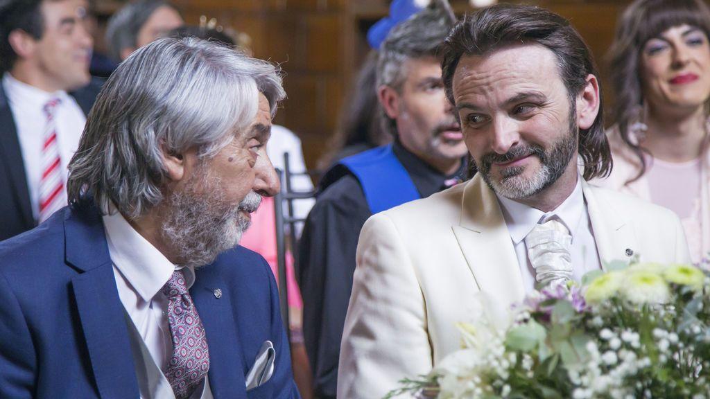 Los actores Ricardo Arroyo (Vicente) y Fernando Tejero (Fermín), en el último capítulo de la décima temporada de 'La que se avecina'.