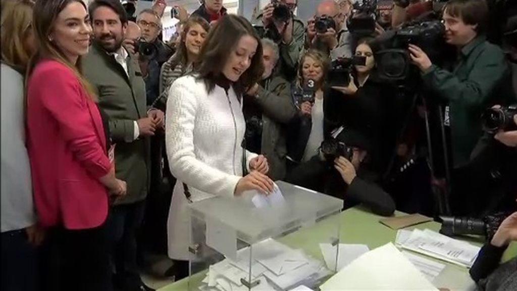 Inés Arrimadas vota en Barcelona