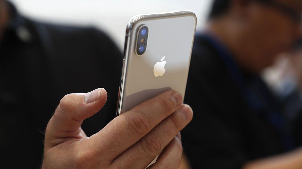 Apple admite que disminuye intencionalmente la potencia de los iPhones