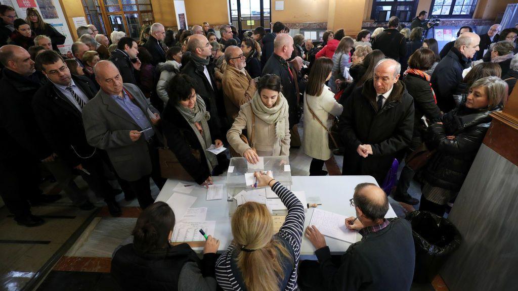 Elecciones Cataluña: Primeras votaciones de una jornada histórica