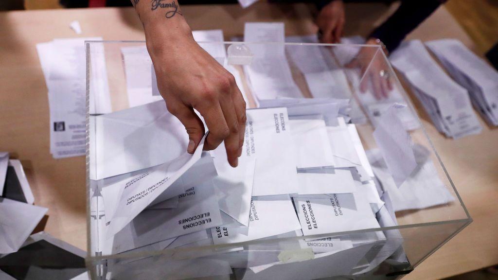 Comienza el recuento de votos en los colegios de Cataluña