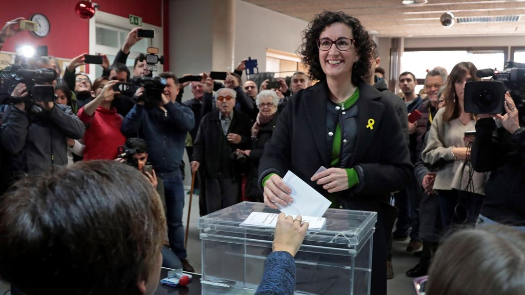 "Marta Rovira vota con la esperanza de que ""gane la democracia"""