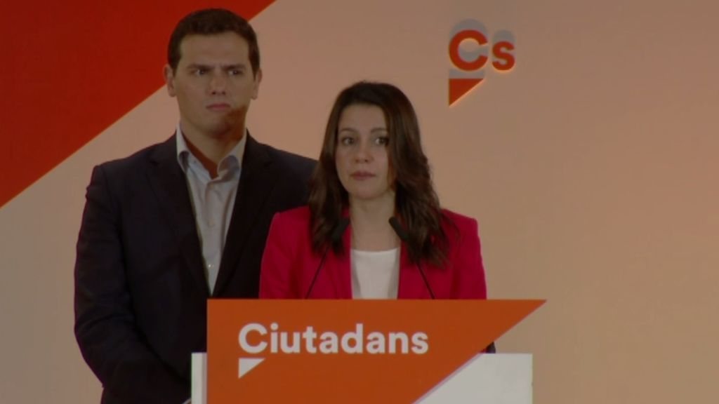 """Arrimadas pide no dar por hecho que los independentistas pacten y los ve """"tocados"""""""