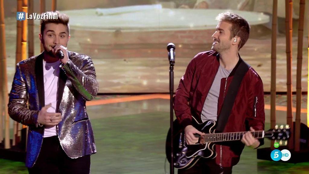 Buen rollo y talento: Pablo Alborán y Samuel cantan 'No vaya a ser' y brillan en la final