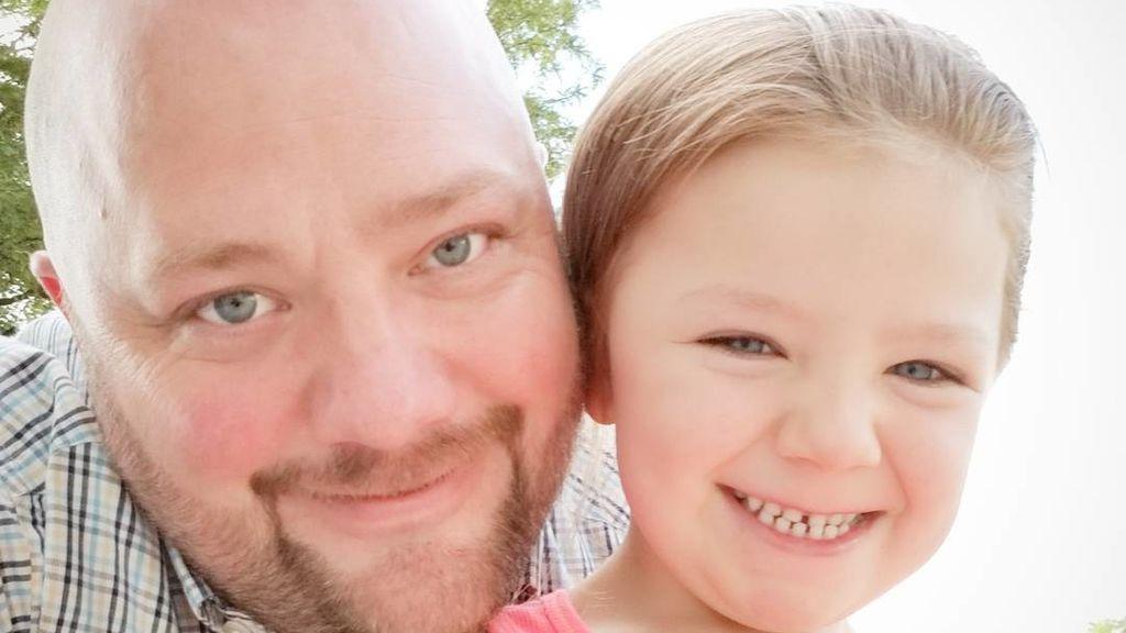 El talento oculto de un padre soltero que se ha vuelto viral