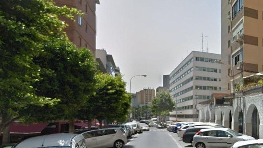 Cuatro personas atropelladas por una furgoneta en la terraza de un bar de Almería