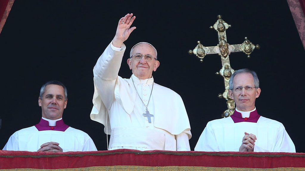 """El Papa invoca paz y seguridad en un mundo """"azotado por vientos de guerra"""""""