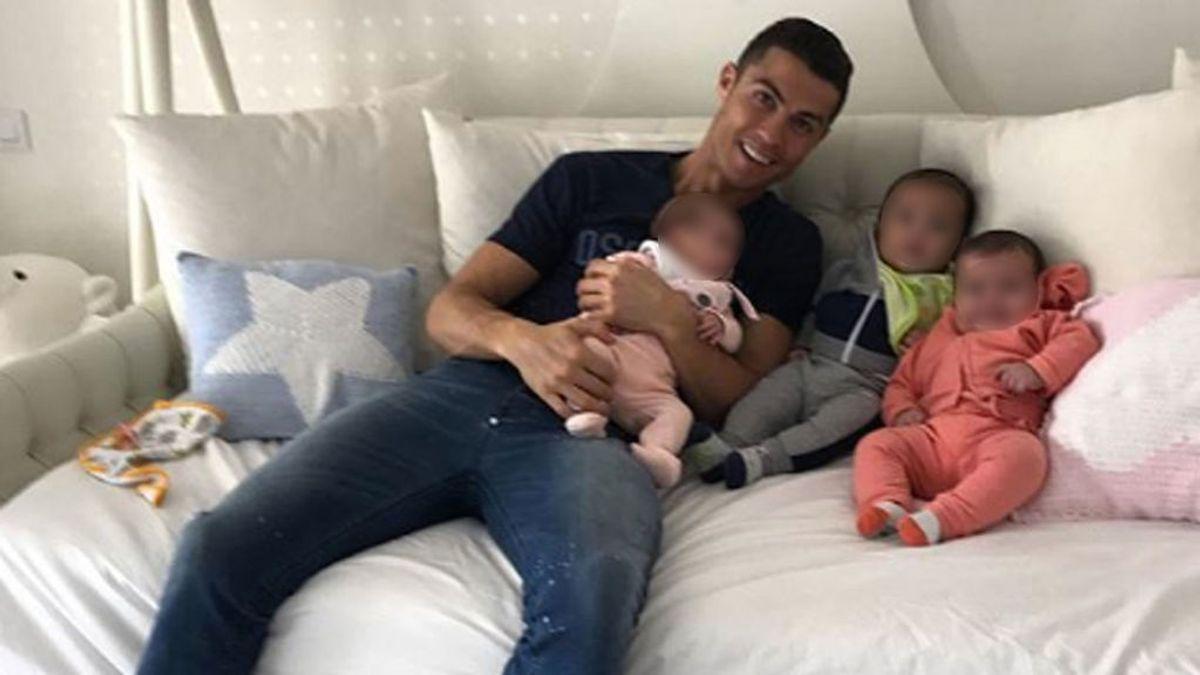 """¿Mensaje de Cristiano para Hacienda?: """"Estoy PRESO de mis bebés"""""""