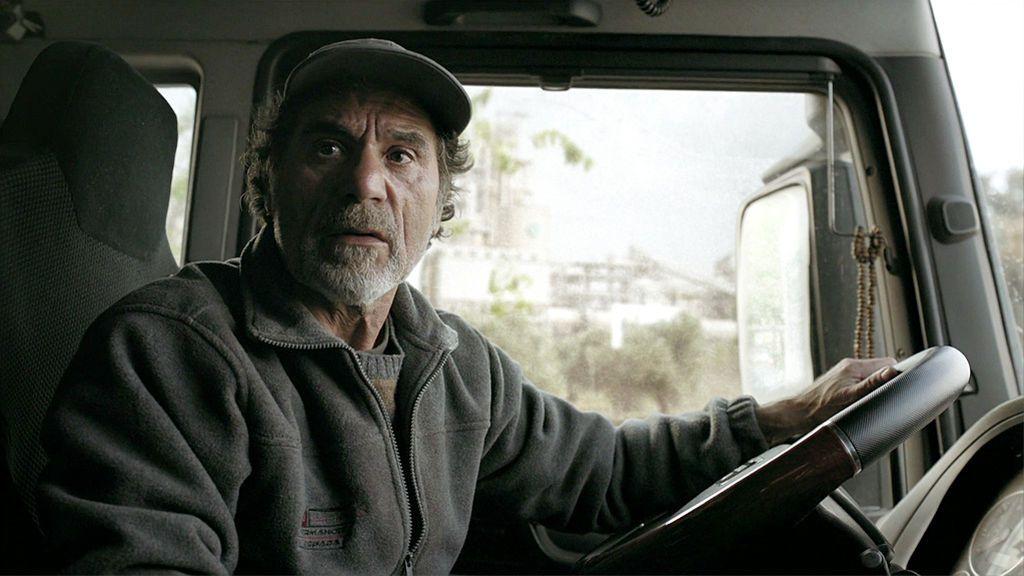 Un misterioso motorista salva el cargamento de José Espada