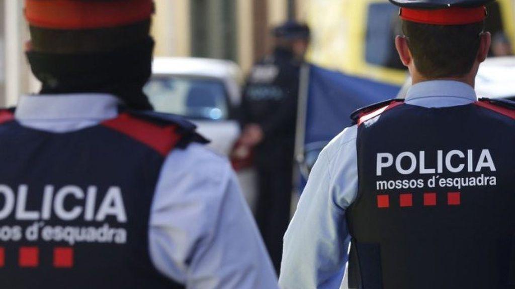 Un mosso se suicida mientras custodiaba a un preso en el hospital de Bellvitge (Barcelona)