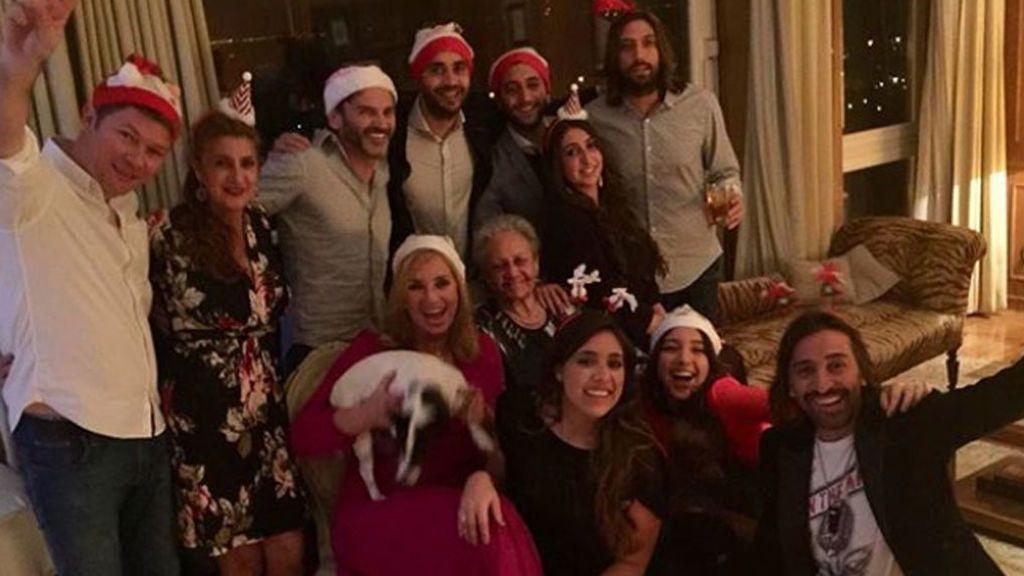 Un recuperado Antonio Carmona pasó la Nochebuena en familia, con Fernando Tejero y Rosario