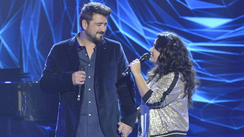 Antonio Orozco y Rocío, 'coach' y ganadora de 'La voz kids 3', respectivamente.