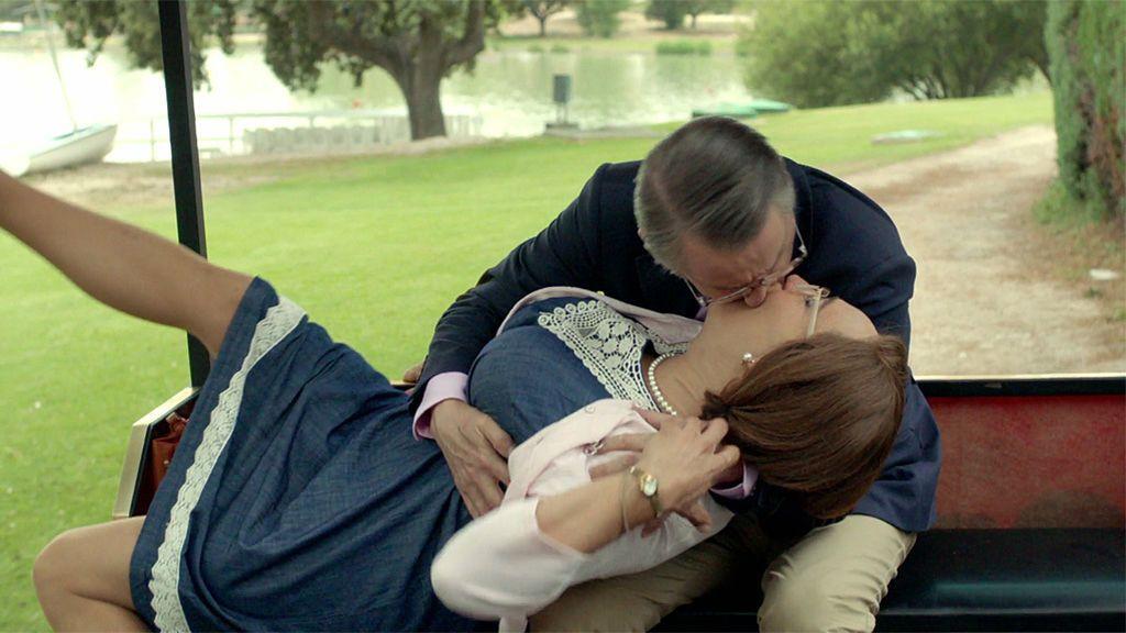 Epi consigue su deseada cita con Avelina entre malos olores ¡y besos de película!
