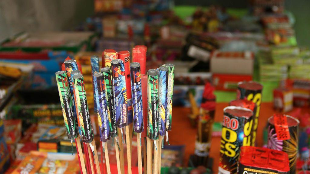 Lanzar petardos en Nochevieja podría implicar una sanción de hasta 750 euros