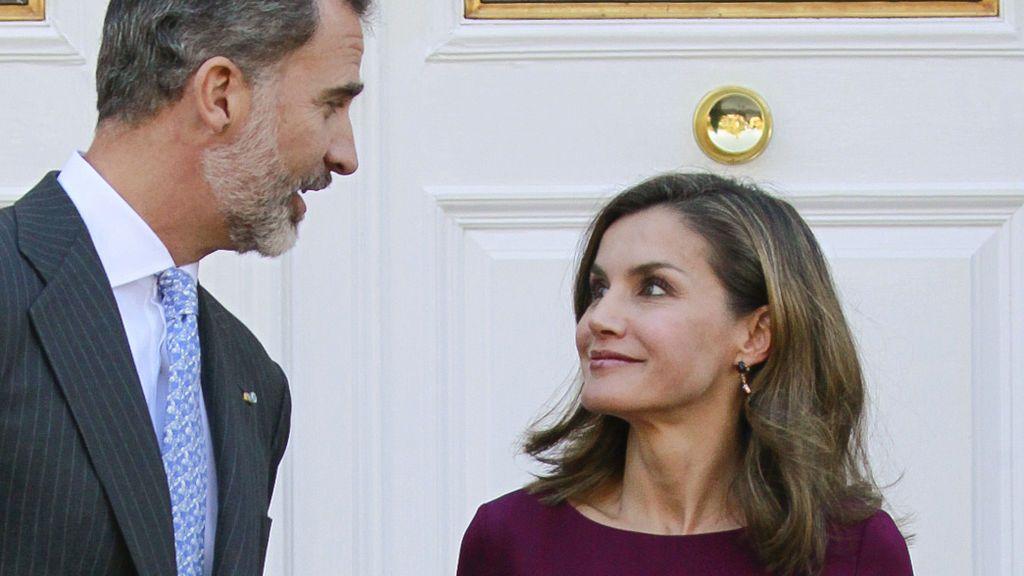 A los reyes también les llega Papá Noel: el 'must have' que Felipe regaló a Letizia por Navidad