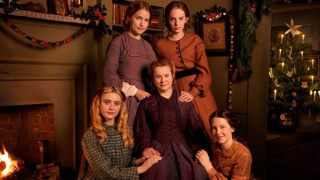 Willa Fitzgerald, Maya Hawke, Kathryn Newton, Emily Watson y Annes Elwy, protagonistas de la miniserie 'Mujercitas'.