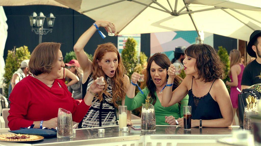 """¡Chupitos y """"crochetazo""""! Las chicas se van de festival con Avelina"""