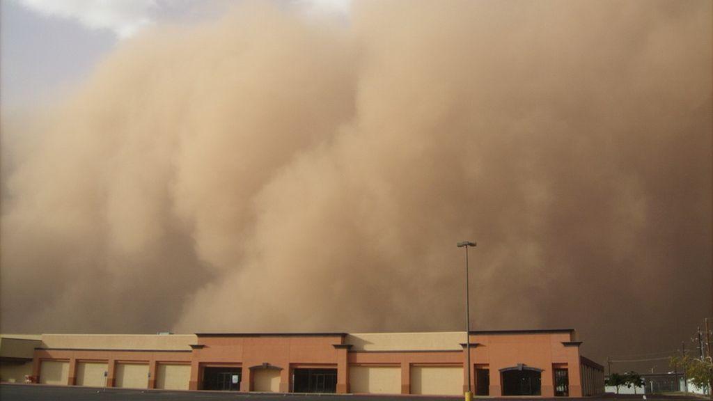 sandstorm-165332_960_720