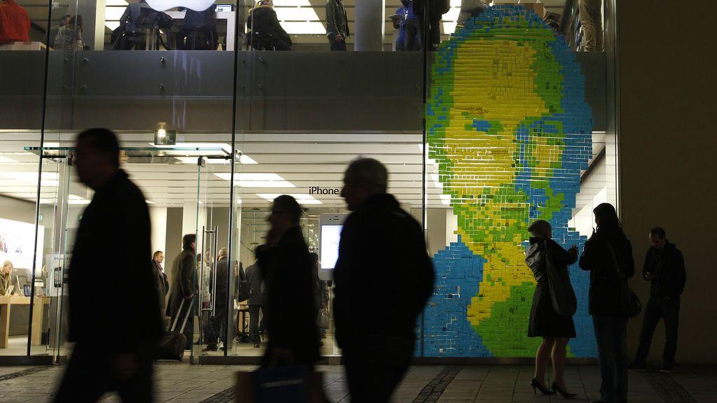 """""""Steve Jobs"""" gana la batalla contra Apple y seguirá produciendo ropa en Italia"""