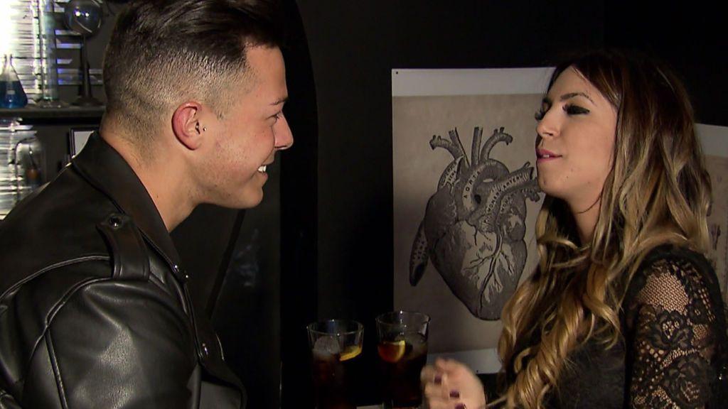 Cita Melani y Éric: La tronista le ofrece una cita sin cámaras a cambio de una canción