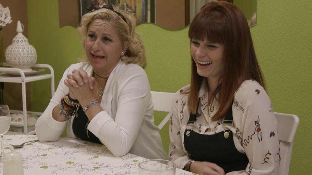 Ana y Jessica, concursantes de 'Ven a cenar conmigo' en la primera semana de 2018.