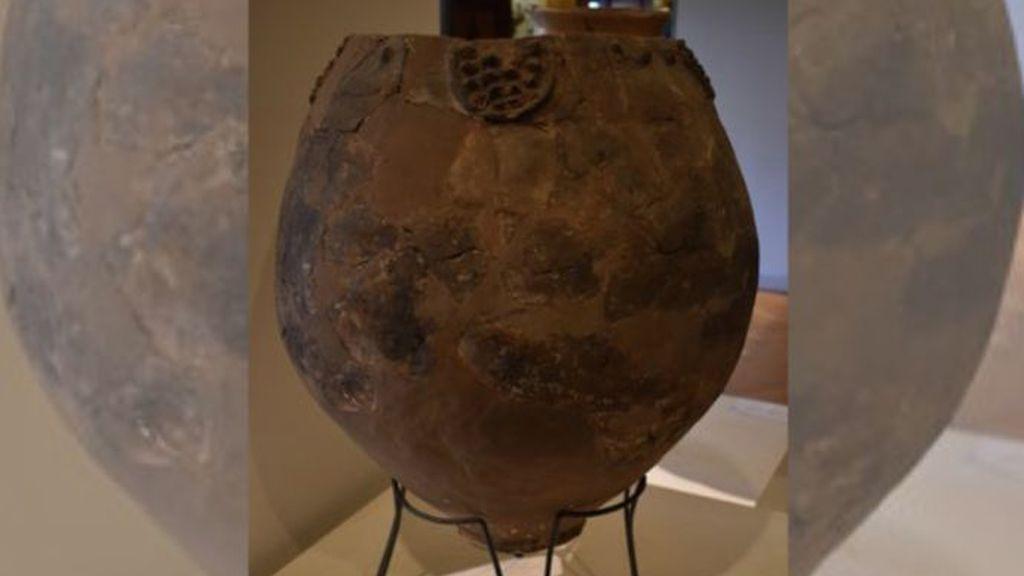 Vasijas con restos de vino de  8.000 años