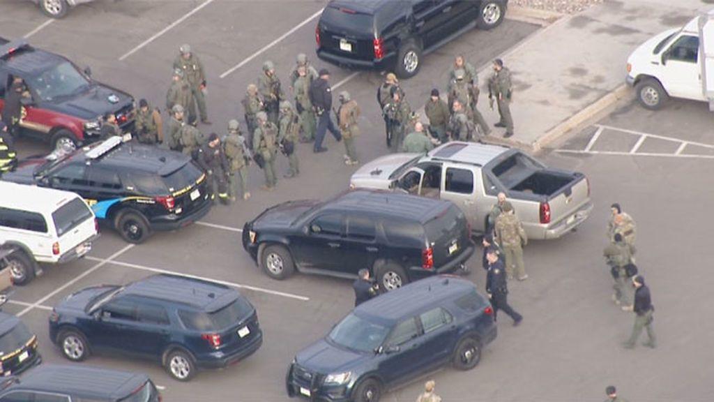 Un individuo mata a un policía y hiere a otros cuatro antes de ser abatido en EEUU
