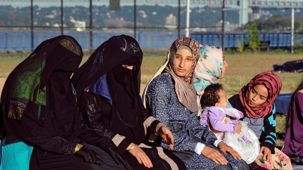 La Policía de Teherán ya no detendrá a mujeres que ignoren el código de vestimenta
