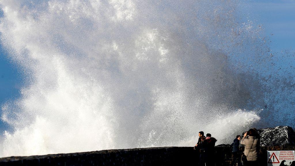 Un total de 22 provincias comienzan el año en alerta por fuerte viento