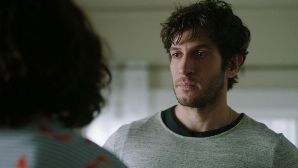 José le cuenta a Lucía por qué la engañó y comenzó una relación con María