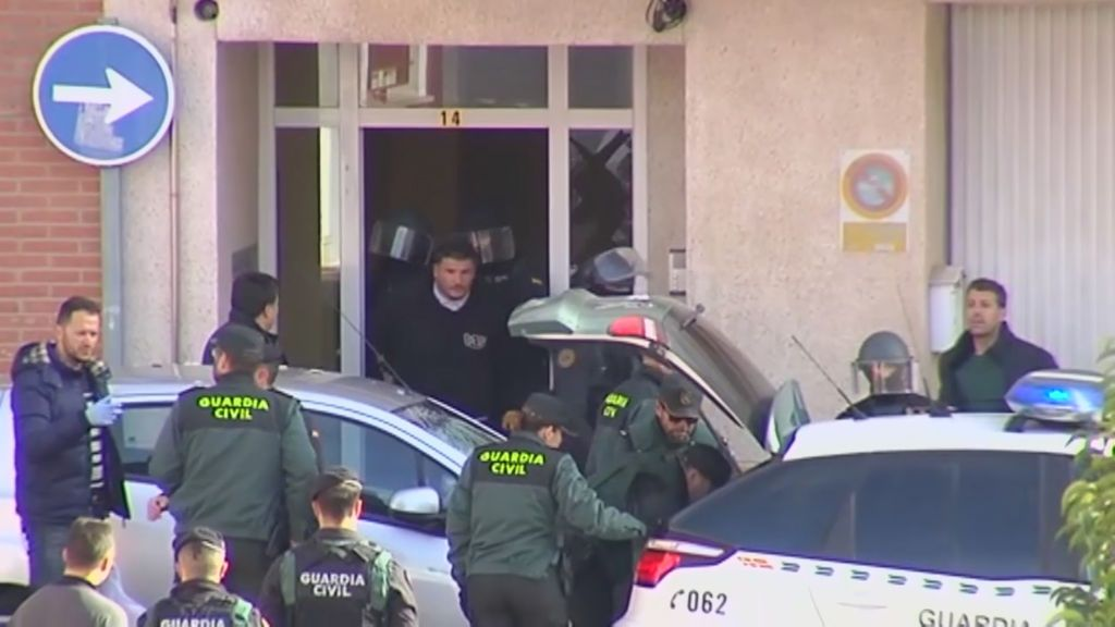 Detenido el maltratador que se había atrincherado en casa de su expareja en Requena
