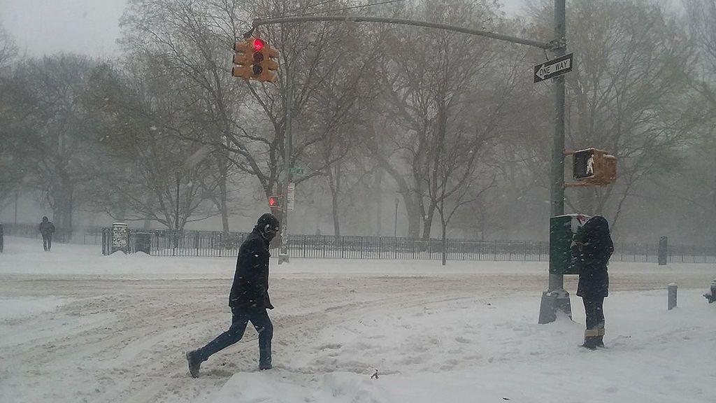 El frío es tan extremo, que ha dejado cuatro muertos y tuberías congeladas.