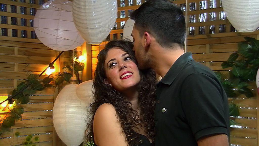 El restaurante de 'First Dates' se llena de besos: Javier y Davinia y Fernando y Carmen triunfan