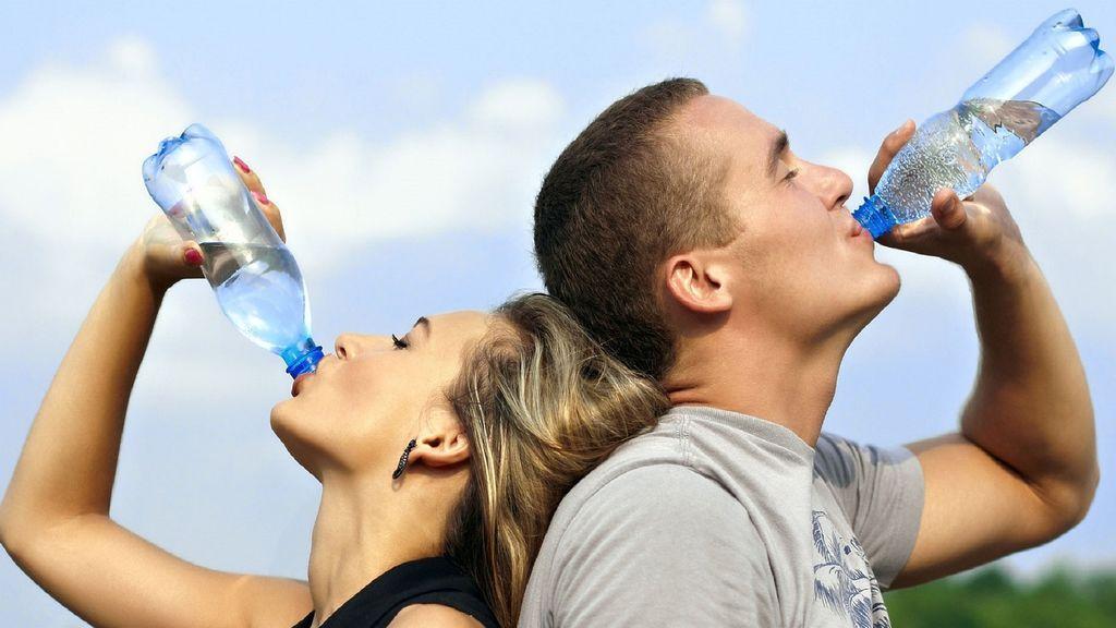 Agua cruda, por qué no debes sucumbir a la última moda de Sillicon Valley