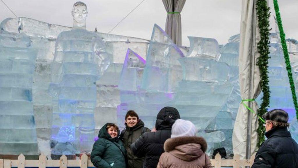Cristiano Ronaldo y su estatua de hielo que triunfa en las redes sociales