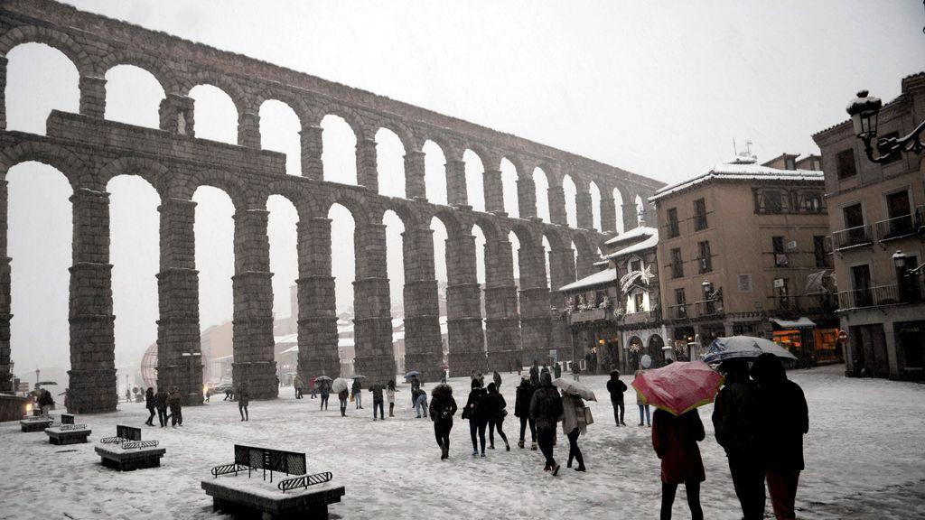 El temporal pone en aviso a 37 provincias con riesgo máximo en Navarra y La Rioja