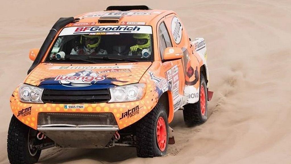 Calleja completa su primera etapa del Dakar tras retar el duro desierto de Atacama