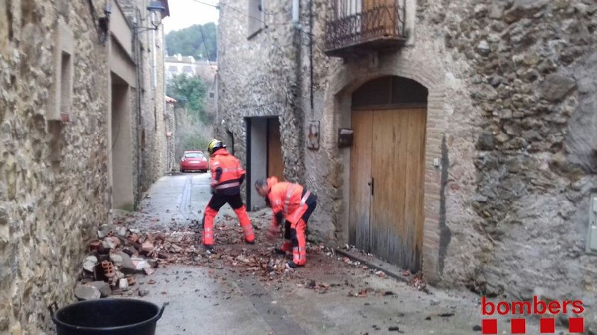 Un posible tornado causa daños materiales en Girona
